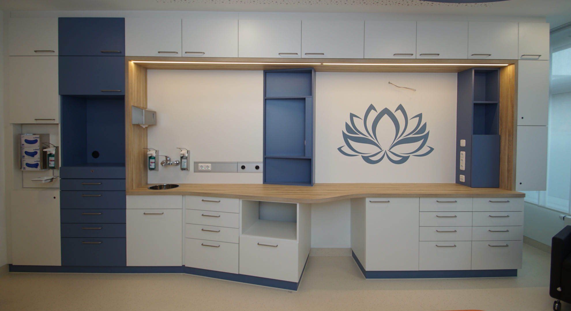 Patientenzimmer im Kreissaal nach modernem farblichem Konzept