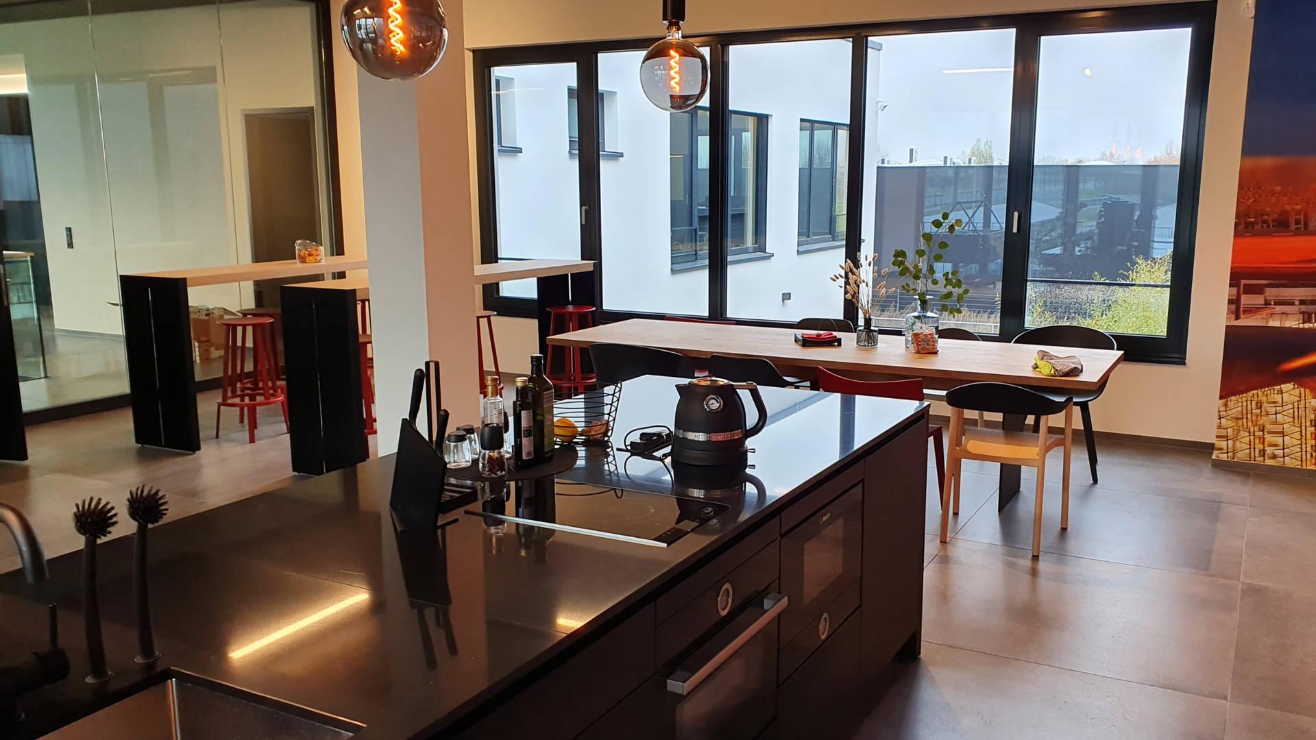 Küchenblock in schwarz